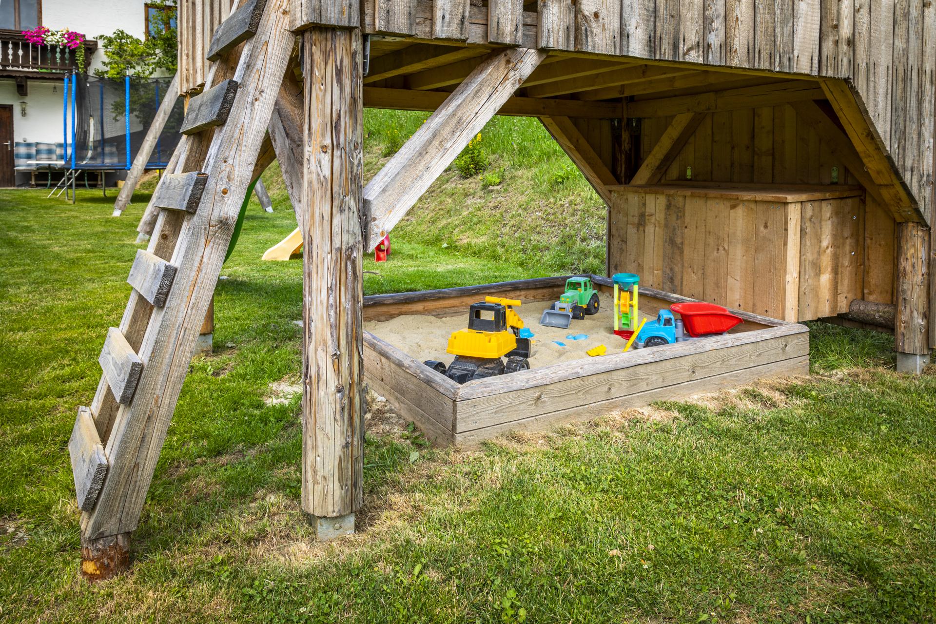 Bauernhof Griesbauer Spielplatz Sandkiste